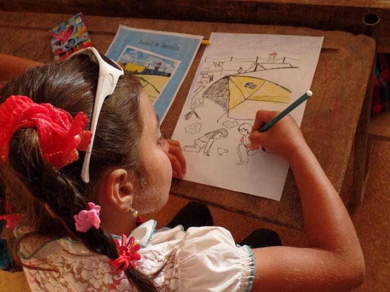 Kleuren van de kaft Jamil&Jamila in Syrisch vluchtelingenkamp